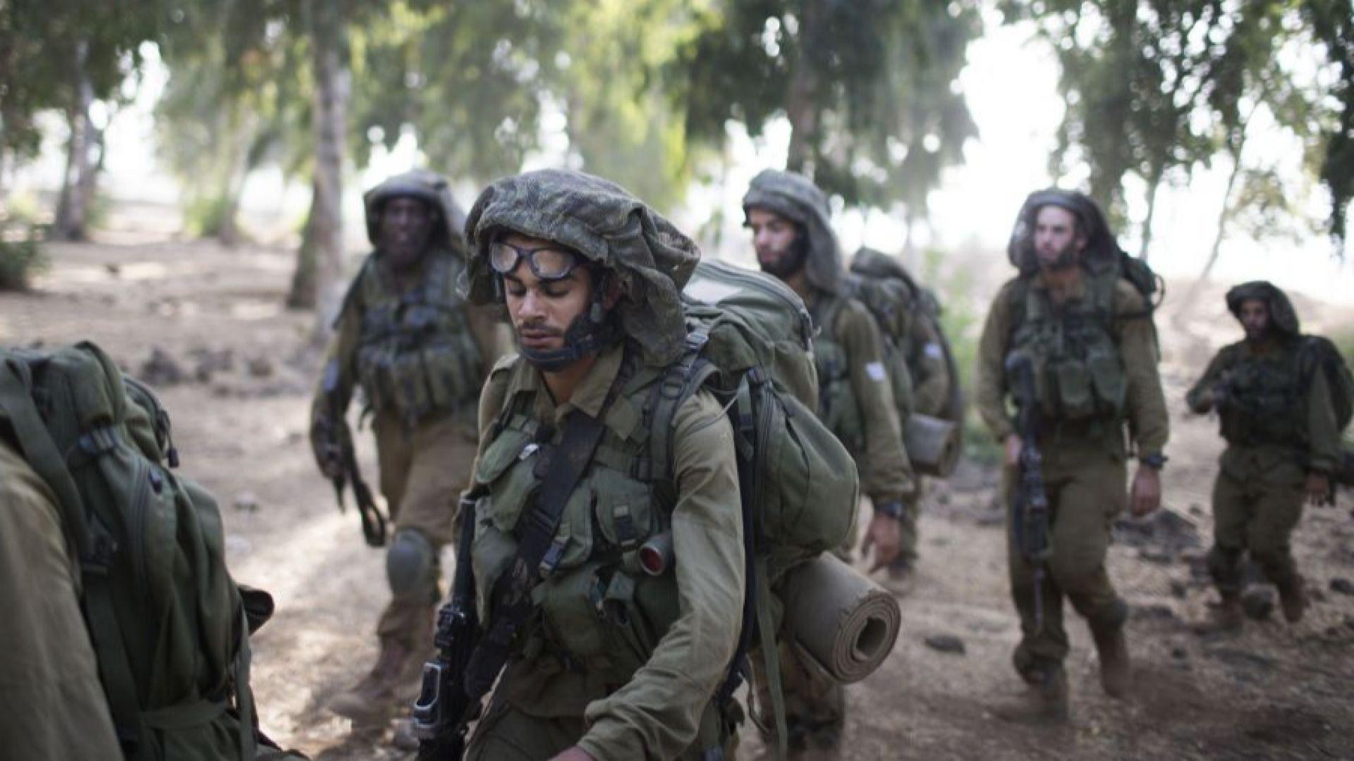 Стрелят по автомобил, който се е врязал в израелски военни