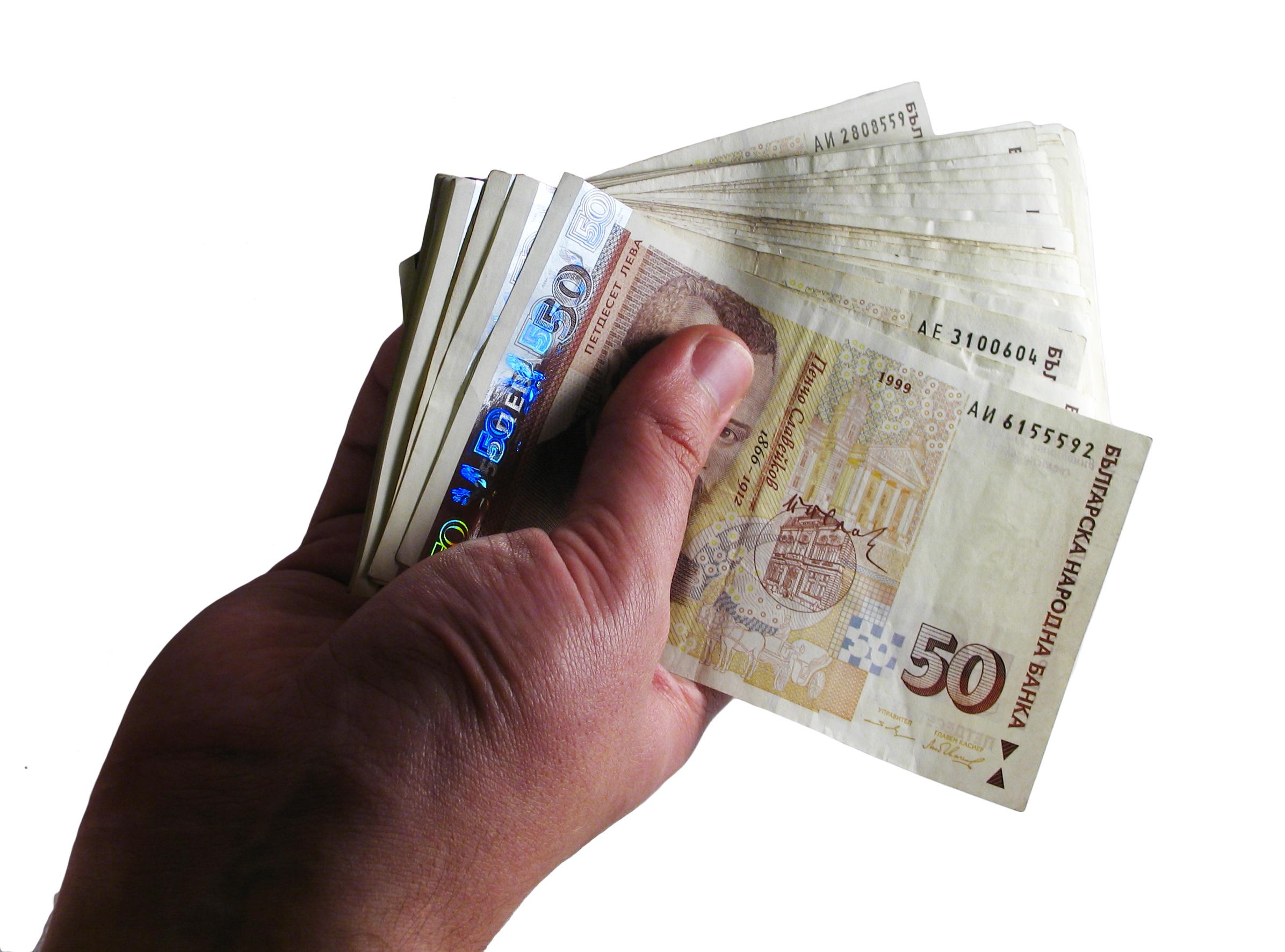 Делойт: България е сред лидерите по лоши кредити в ЦИЕ