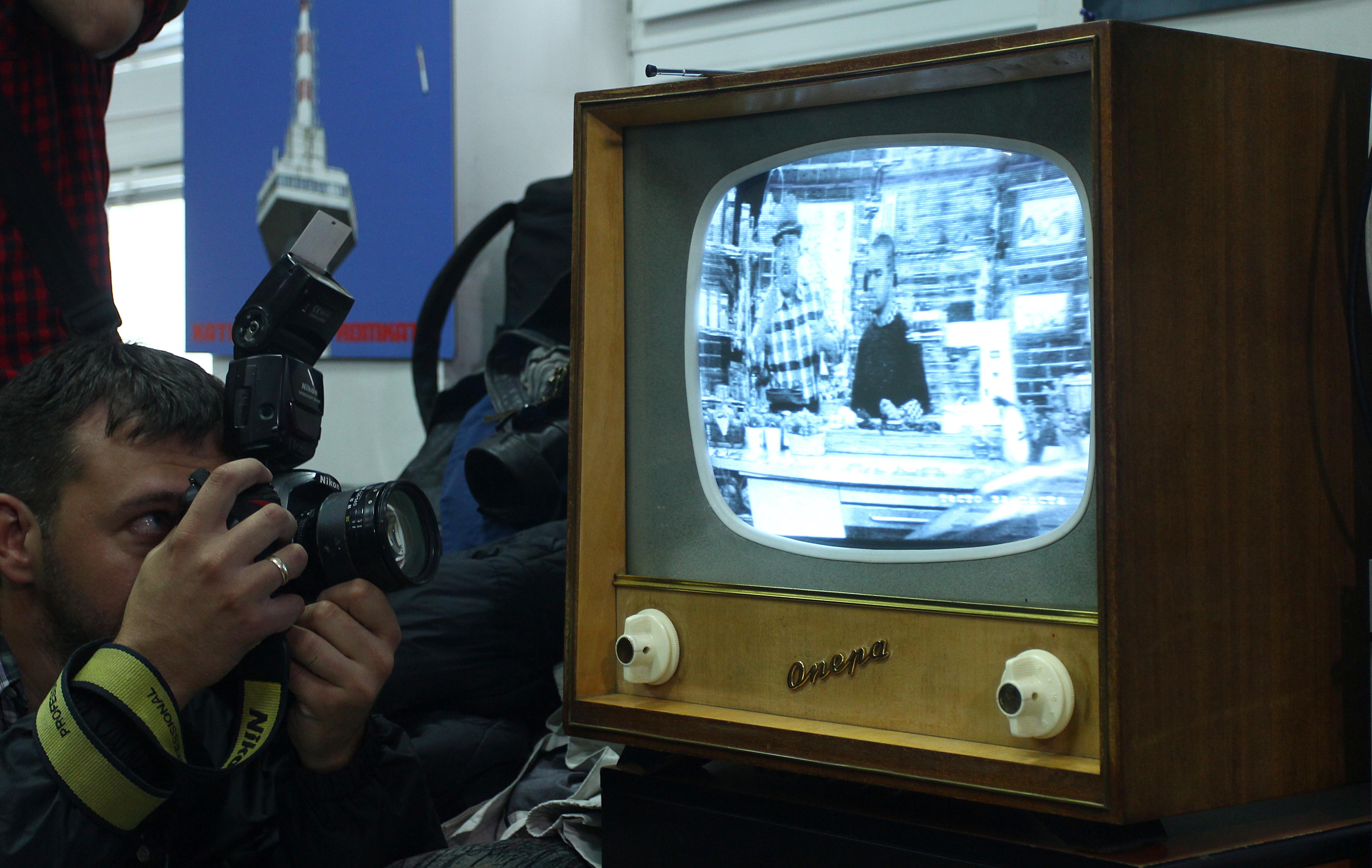 Аналоговият ТВ сигнал спрян окончателно, 100 000 са без телевизия