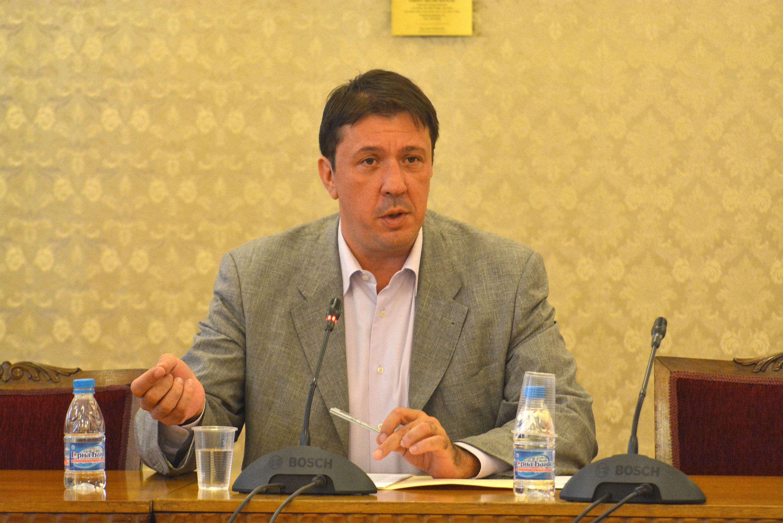 Явор Куюмджиев: Държавата може да си позволи инвестицията в АЕЦ и да остане неин собственик