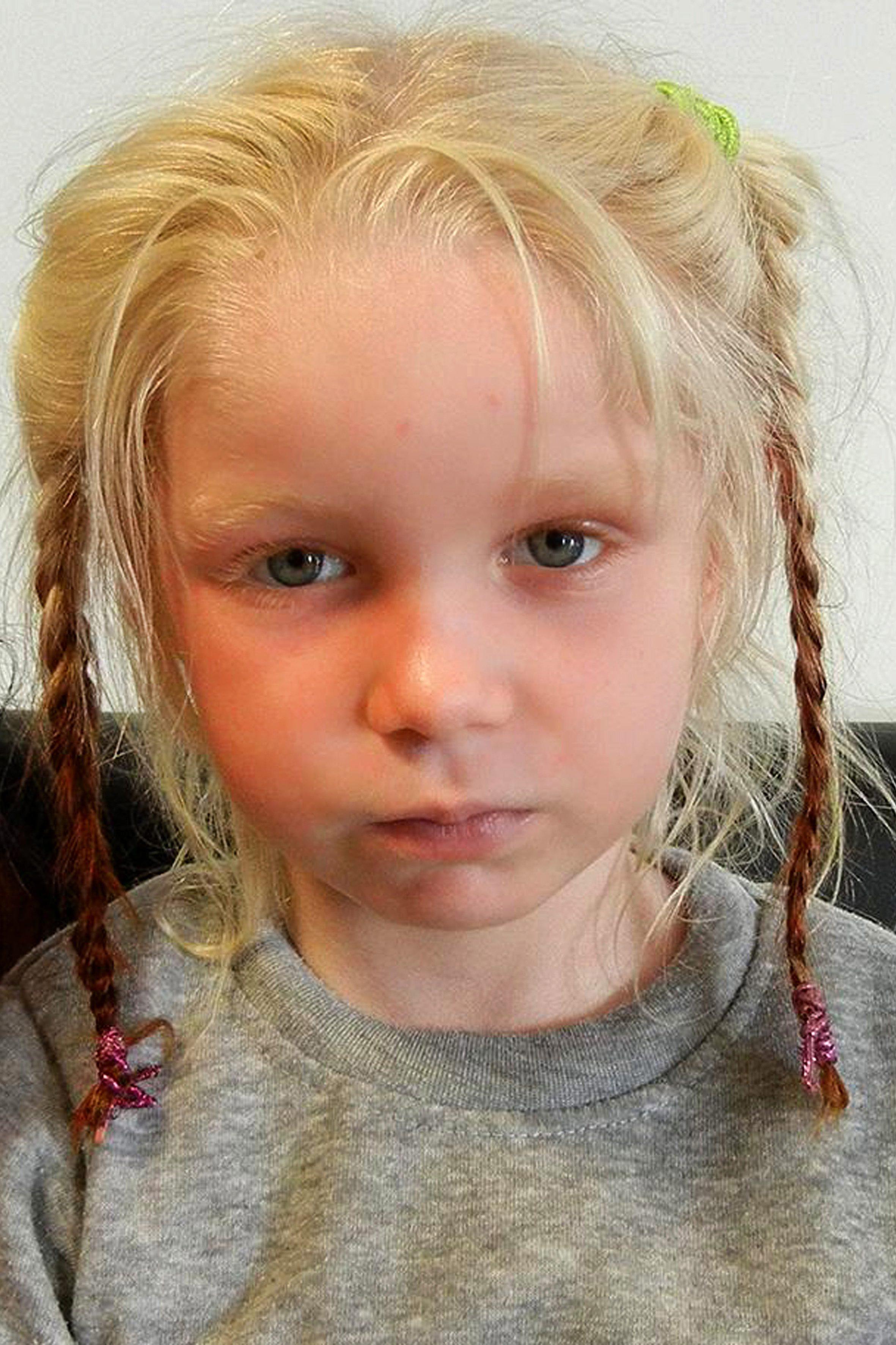 Гръцката полиция откри русо дете в ромски катун