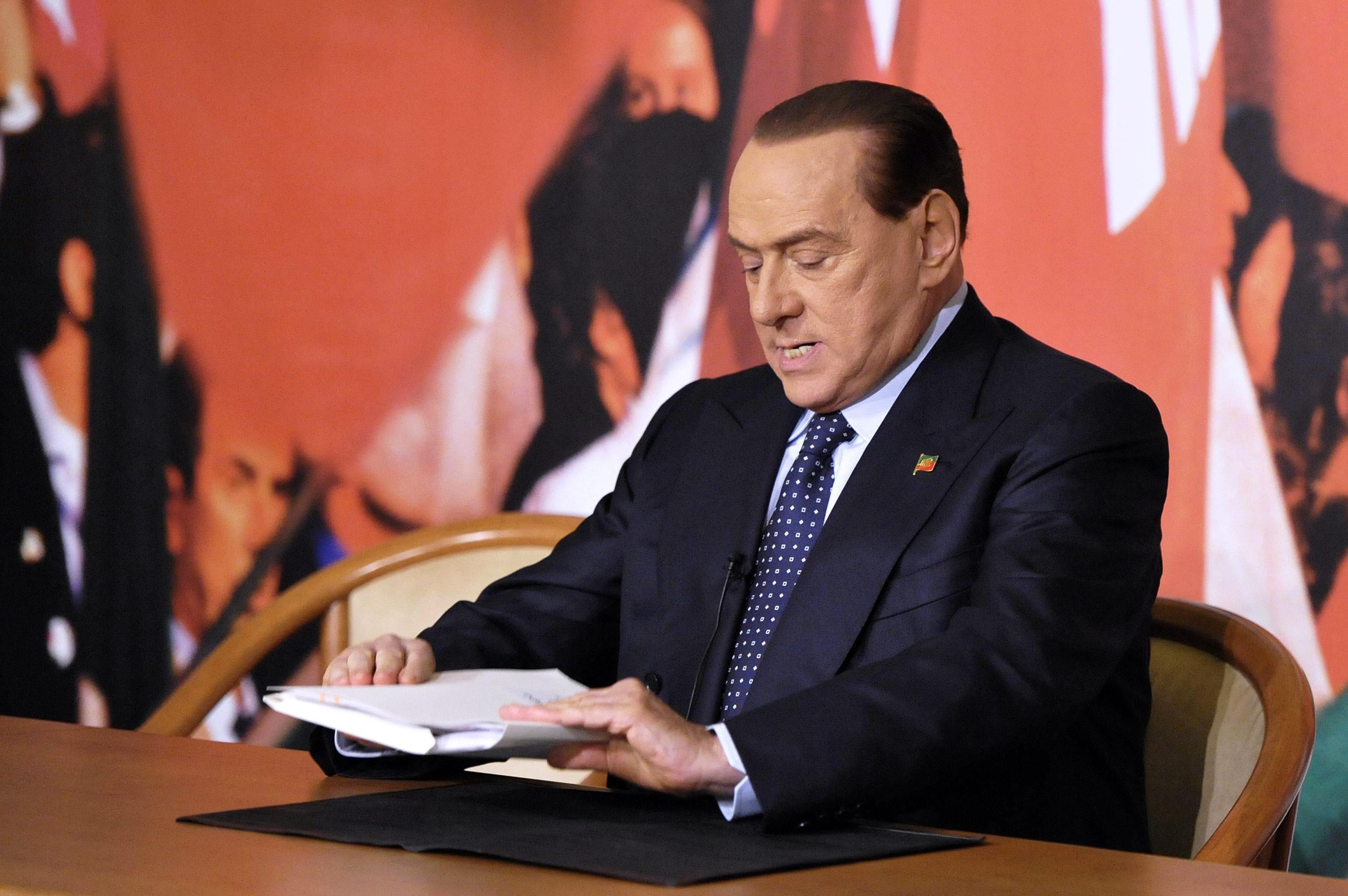 Берлускони срещу еврото, иска своя валута