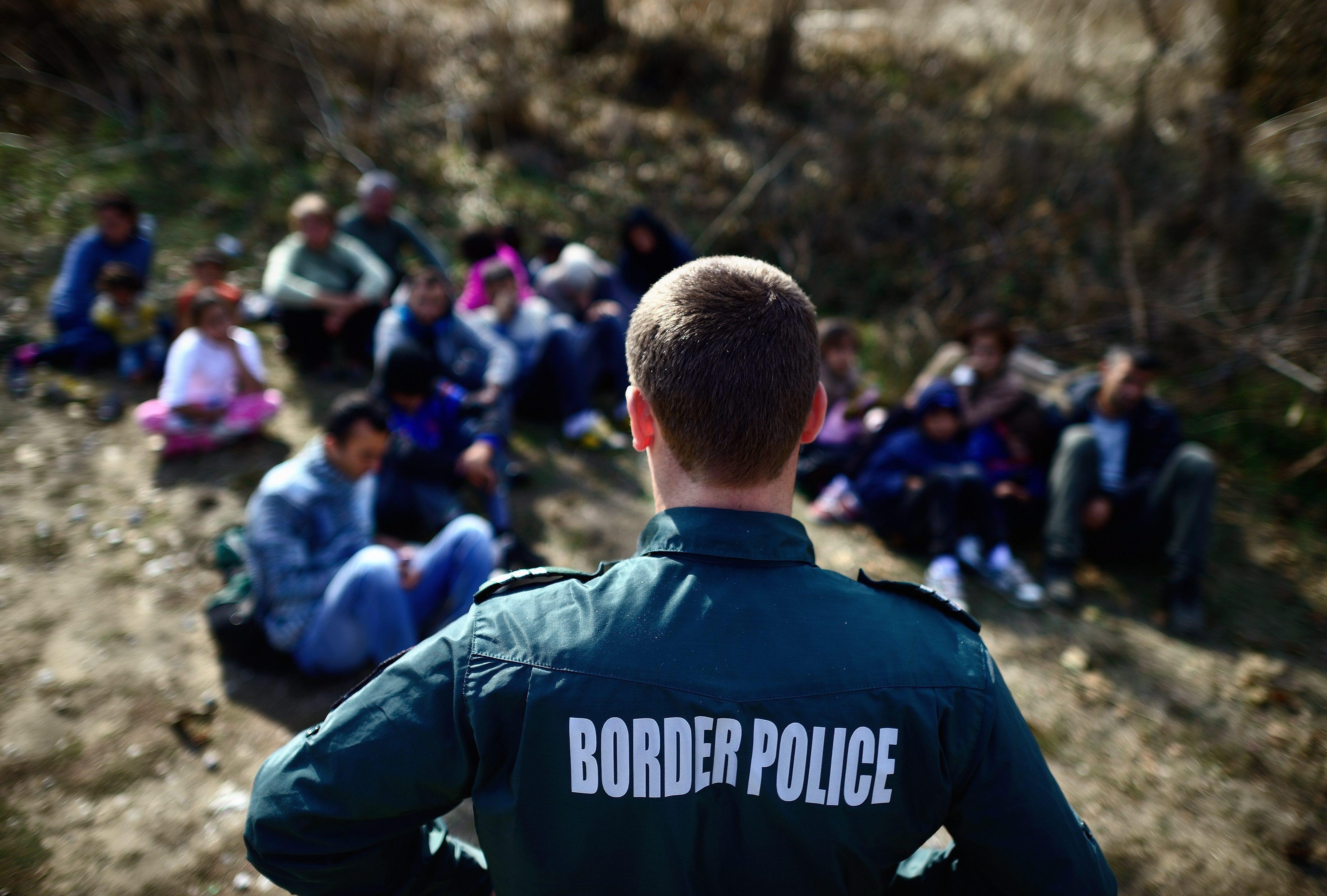 Подсилваме турската граница с 200 души от ФРОНТЕКС
