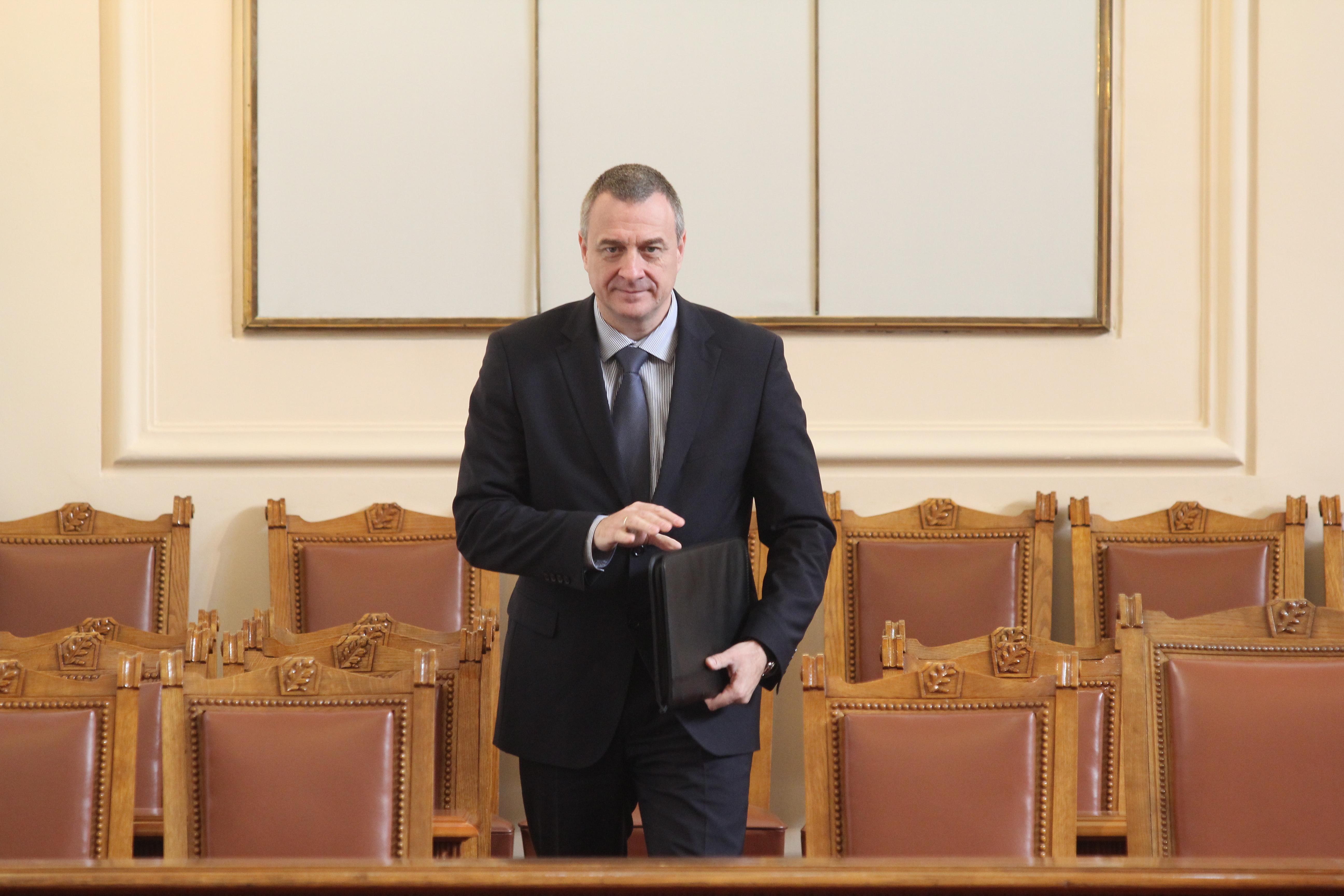Йовчев и БНБ: Има атака срещу банки. ДАНС и МВР разследват