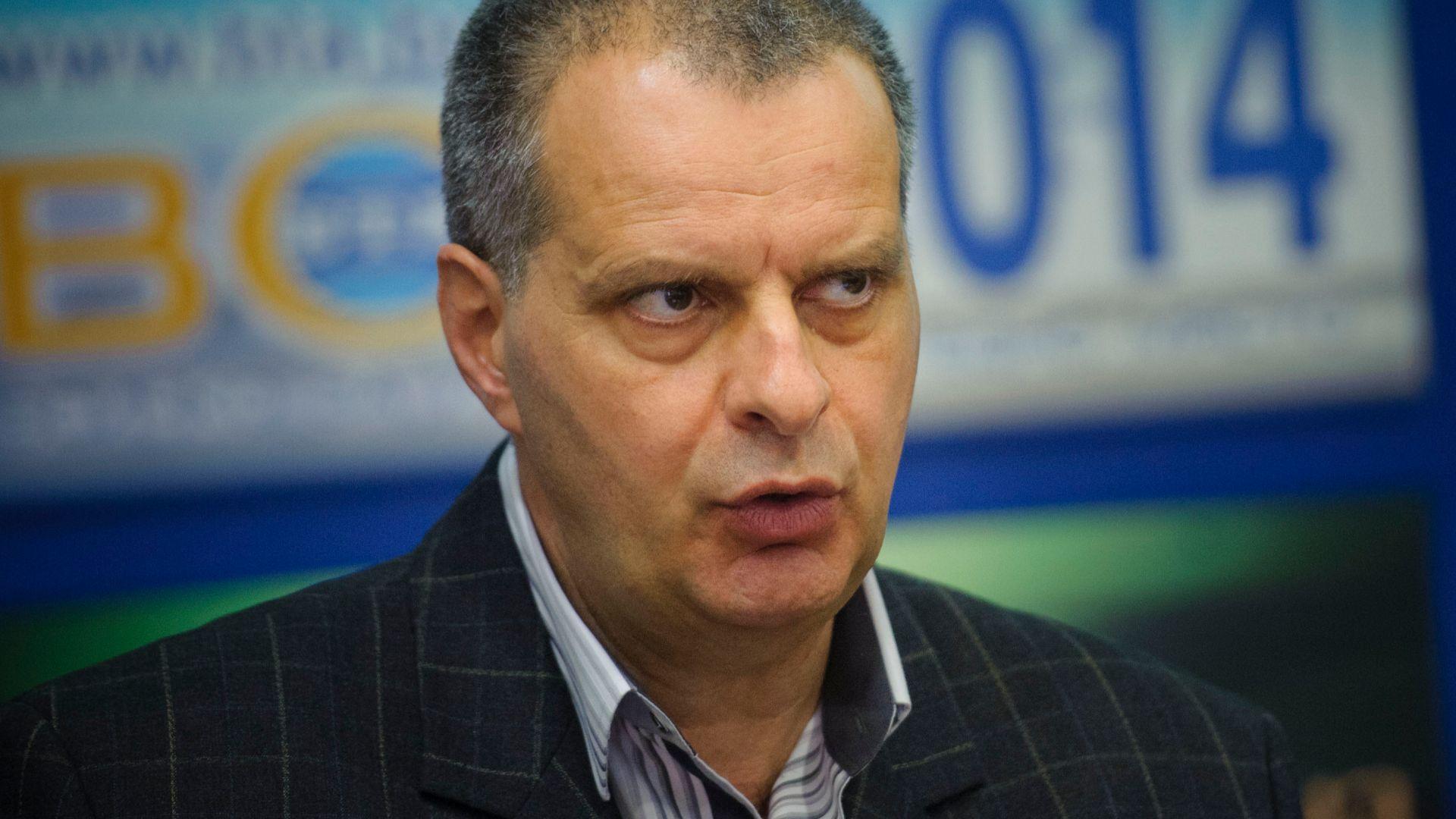 Ляв социолог: Радев е проамериканси настроен, ще прави партия с Паси