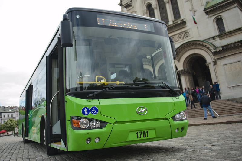 Електробус тръгва по линията на тролей 11 в София