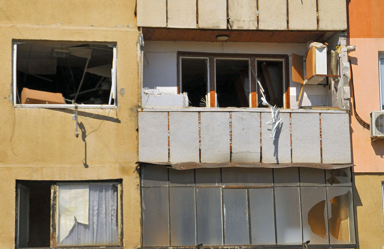 Взрив на бойлер разруши 3 жилища във Враца (снимки)