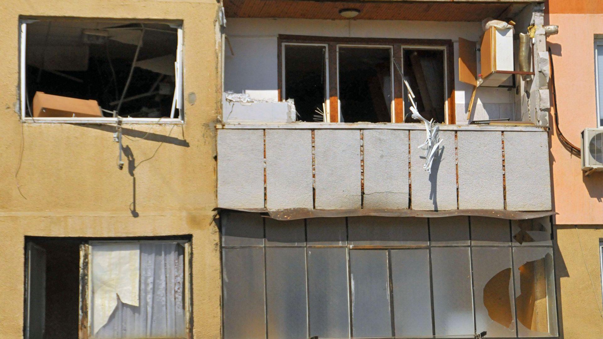 Блок в Стара Загора пред срутване след взрив на бойлер, евакуират хората