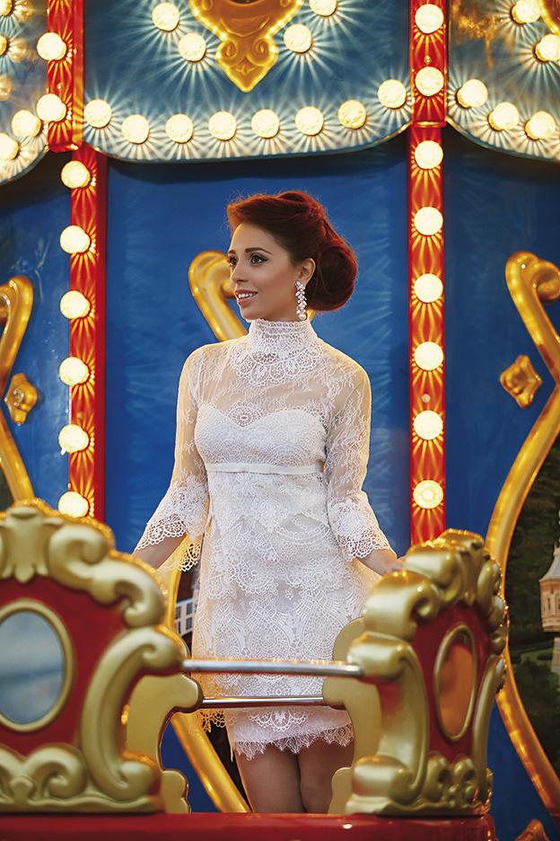 Мика Стоичкова облече булчинска рокля