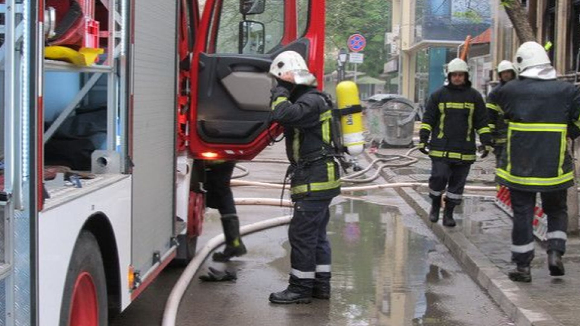 МВР търси 250 пожарникари с 1000 лв. стартова заплата