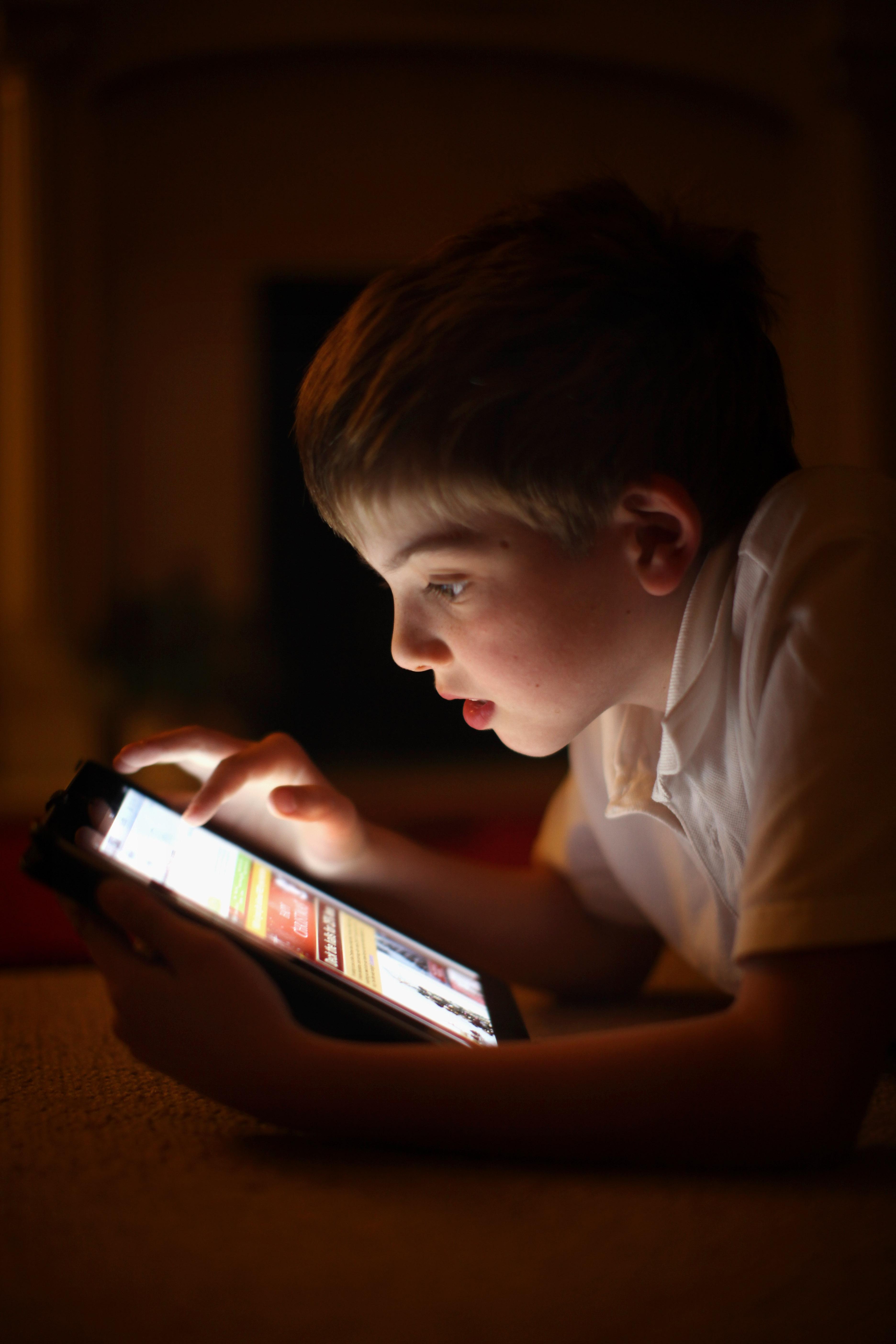 Българчетата прекарват 80% от времето си в интернет
