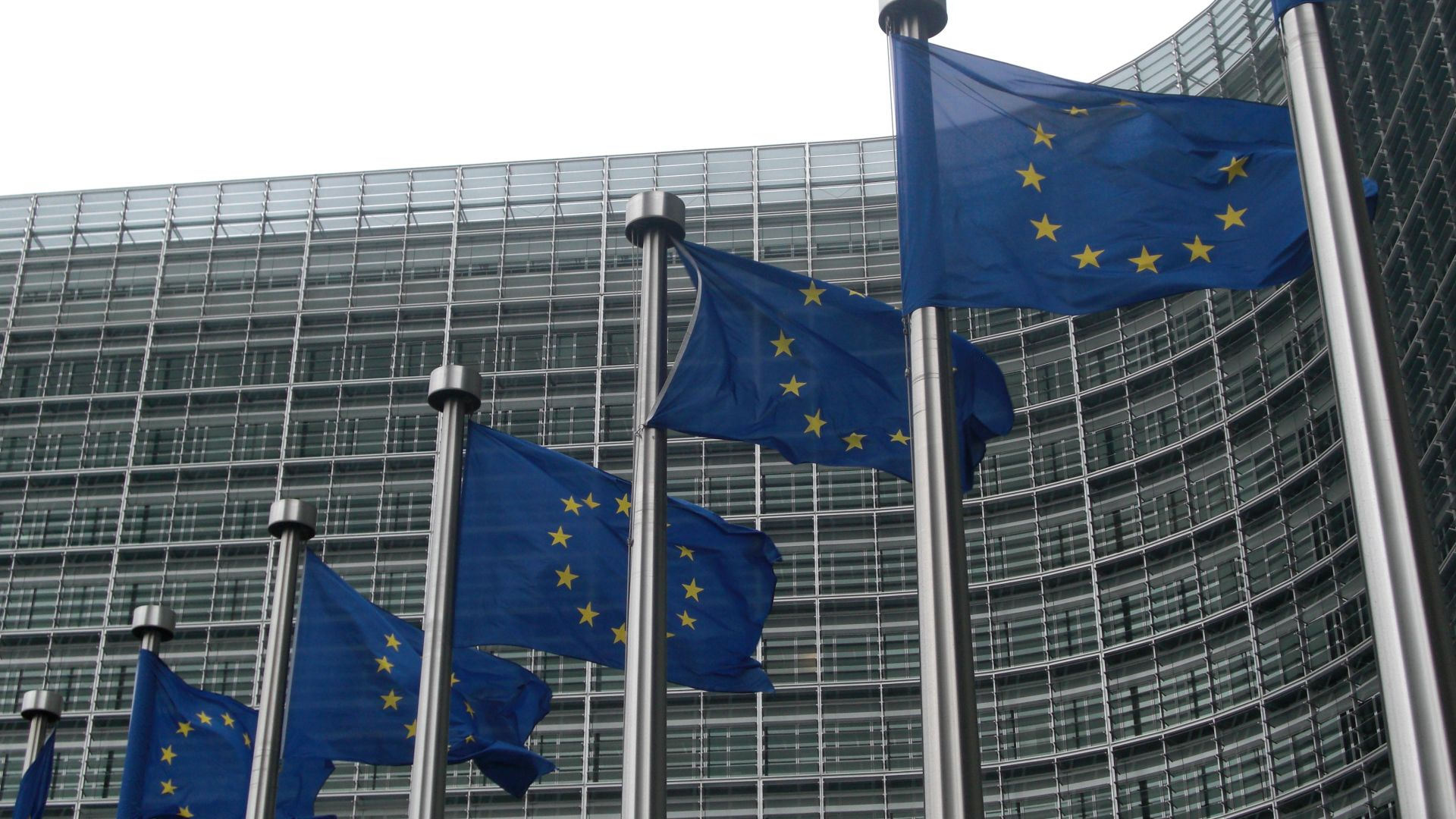 ЕК дава Унгария на Съда на ЕС заради мигрантите