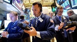 Консолидация на еврото, акциите поскъпват