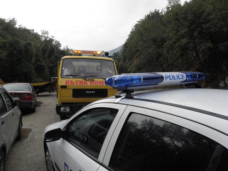 Такси блъсна и уби слизащ от кола мъж край Велинград