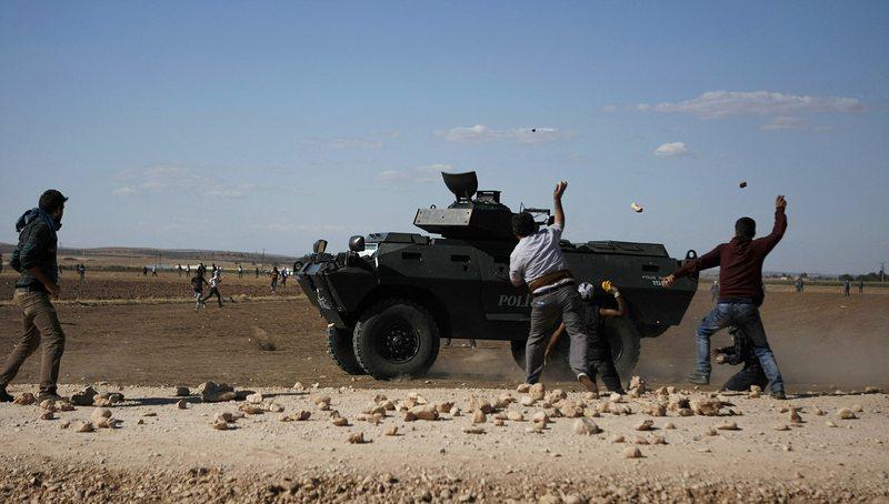 Русия се договори с кюрдите за военна база в Сирия