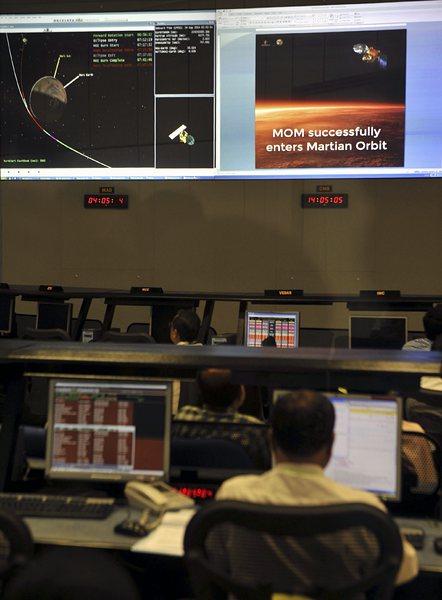 Индия триумфира с първата си мисия до Марс