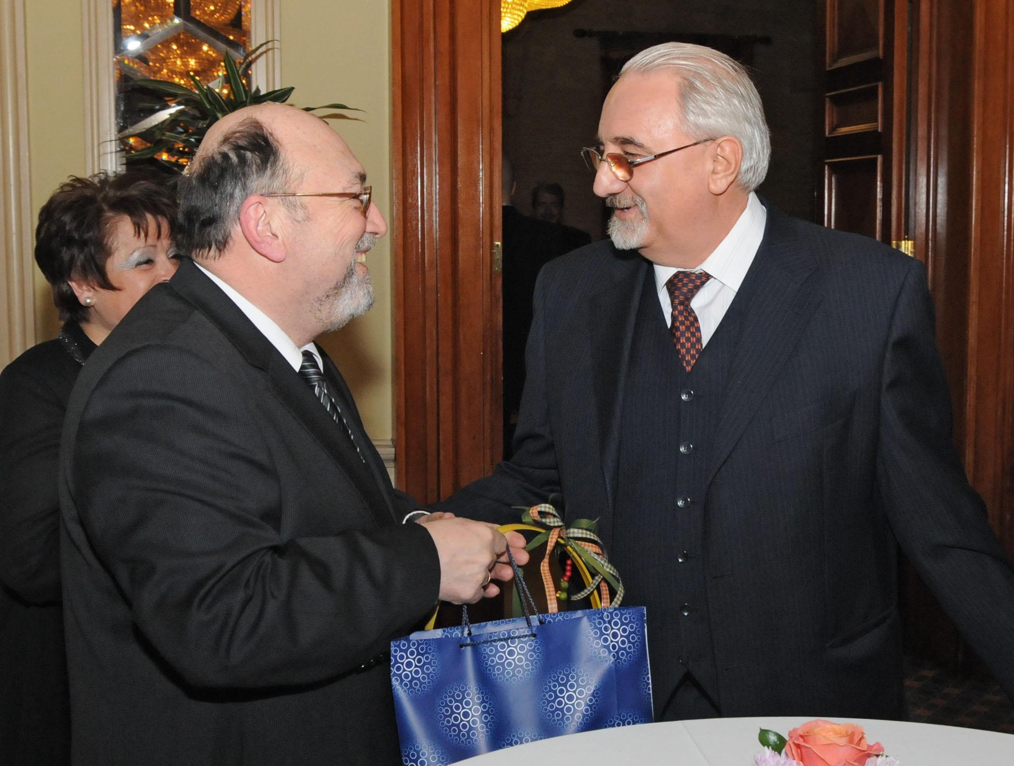 Муравей Радев: Политиканстват за системата на Митниците