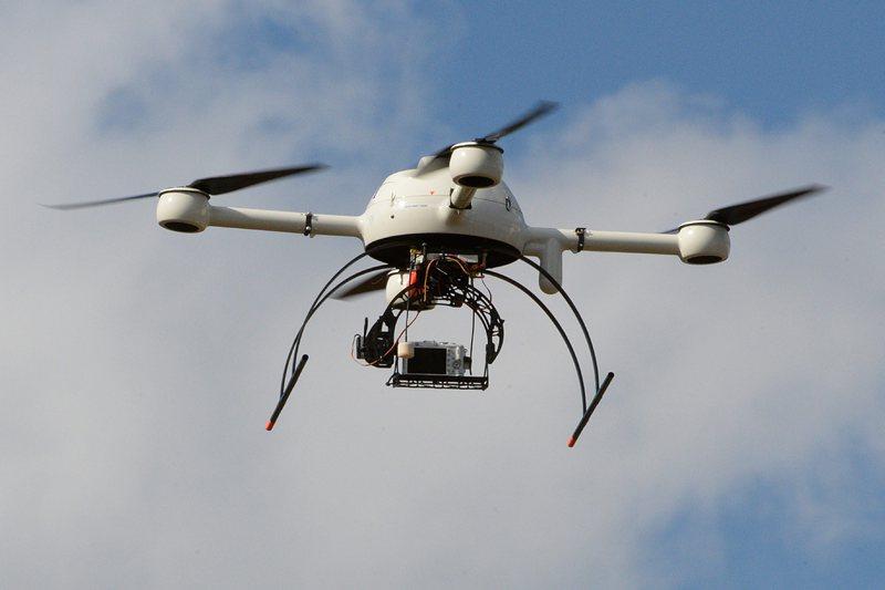 ЧЕЗ обследва мрежата в Казичене с дрон