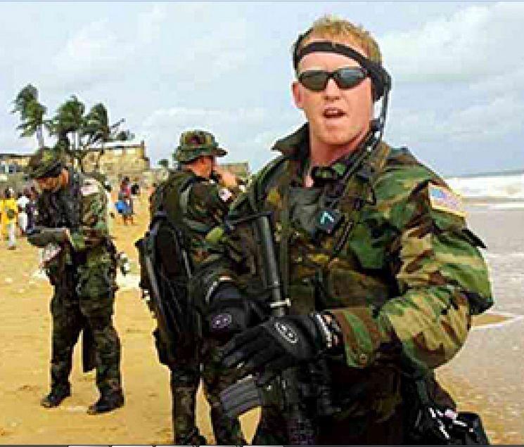 Джихадисти заплашиха пехотинеца, убил Осама бин Ладен