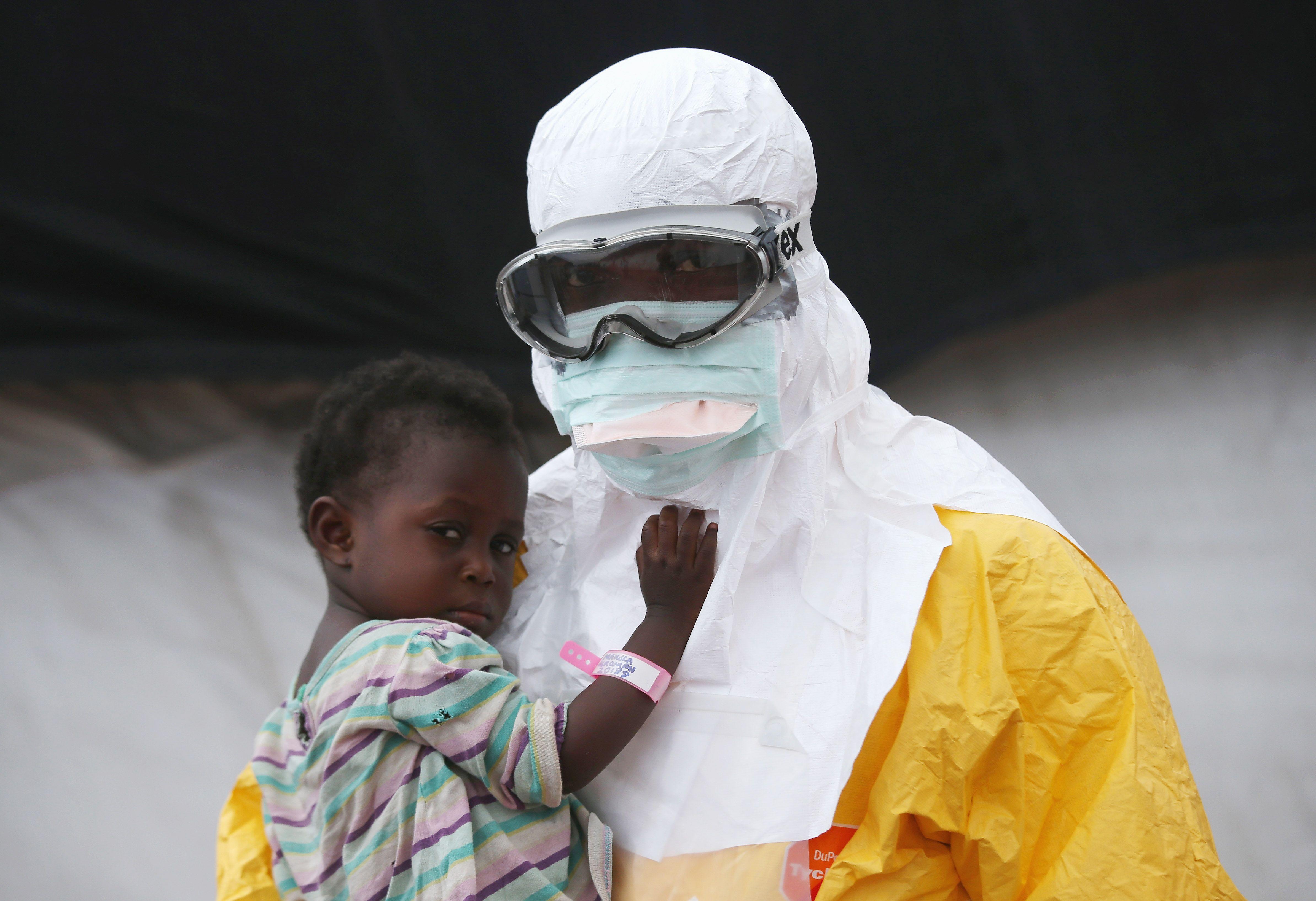 Трима починаха от ебола в Конго, обявена е епидемия