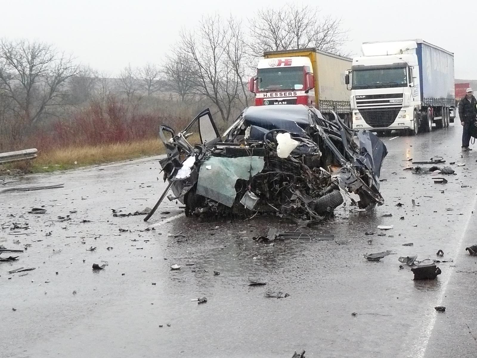 Кое убива хората по българските пътища