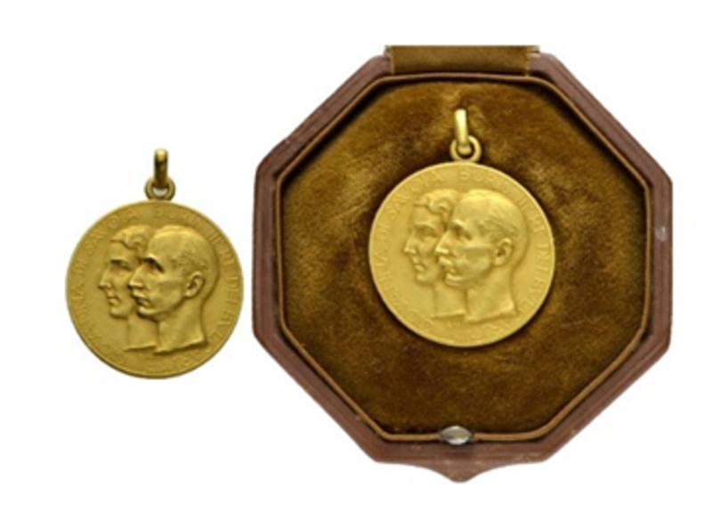 6500 евро за сватбения медал на цар Борис III