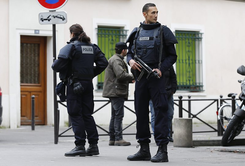 Франция въвежда режим на извънредно положение