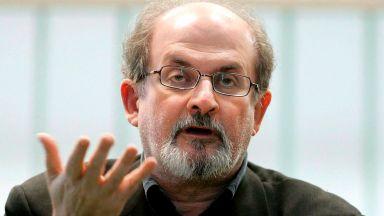 Роулинг, Рушди, Чомски и още 150 интелектуалци: Свободата на словото е под заплаха
