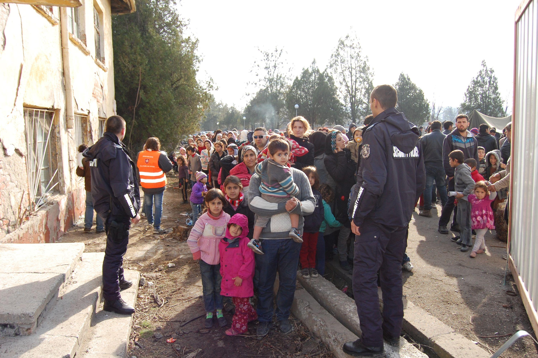 900 нови бежанци само за месец в Харманли, 2-ма са ранени