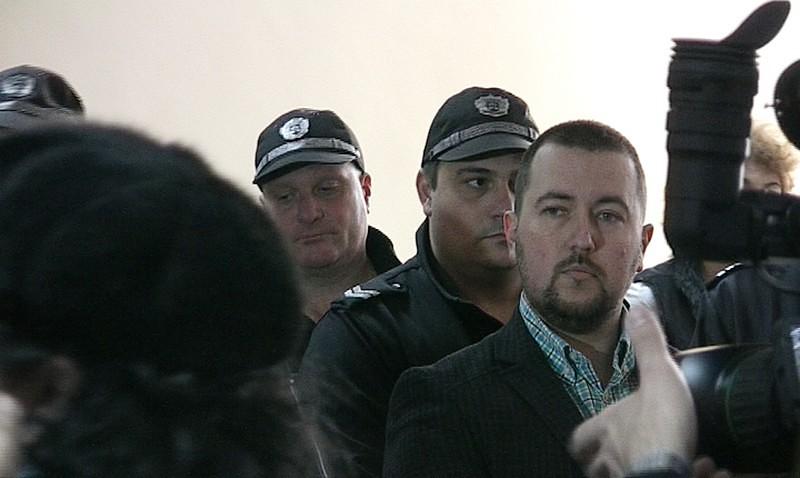 Съдът пусна адвокат Елдъров срещу 25 000 лв.