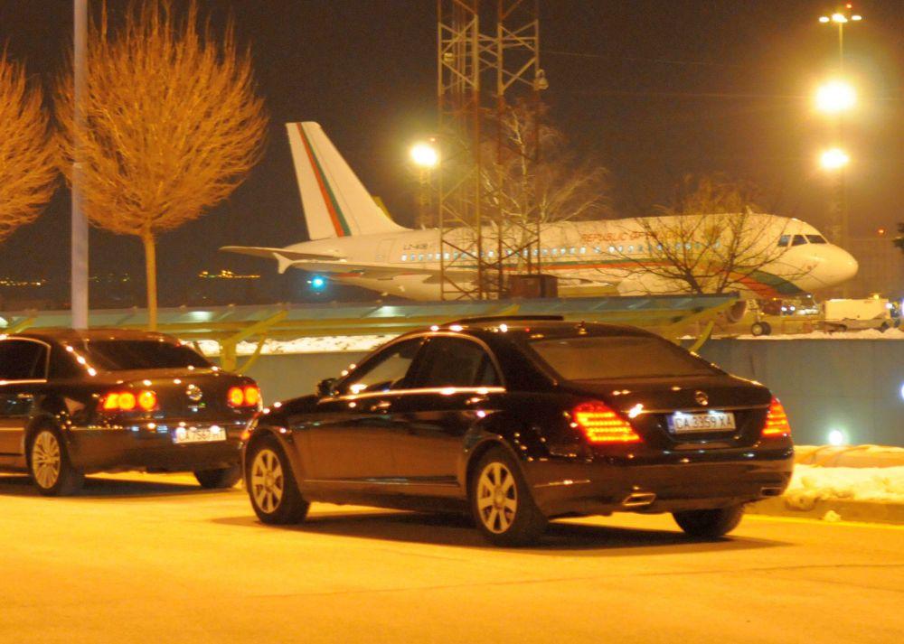 """Малки летища ще обслужват международни полети, а """"Авиоотряд"""" 28 отива в историята"""