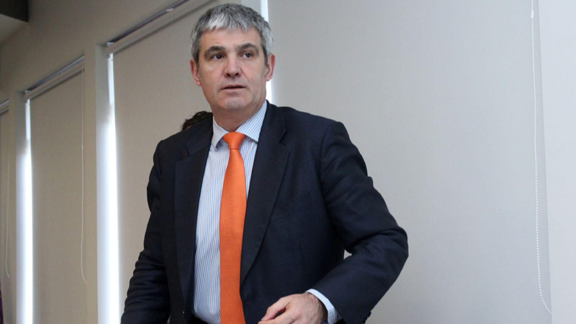 КНСБ иска 12% по-високи заплати от догодина