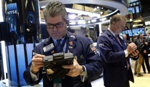 Петролът поскъпна над $60 за барел след свиване на запасите в САЩ