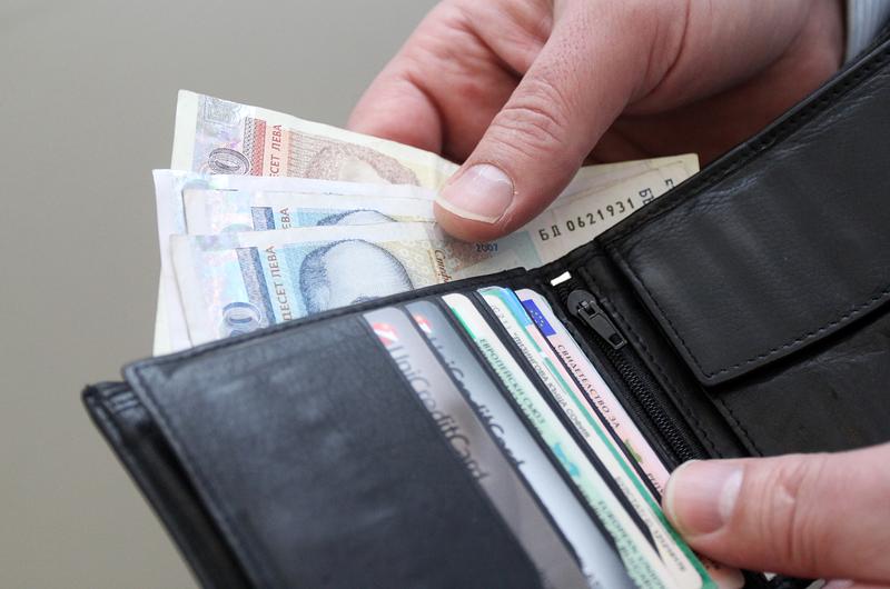 Заплатите в София са многократно по-големи от други области