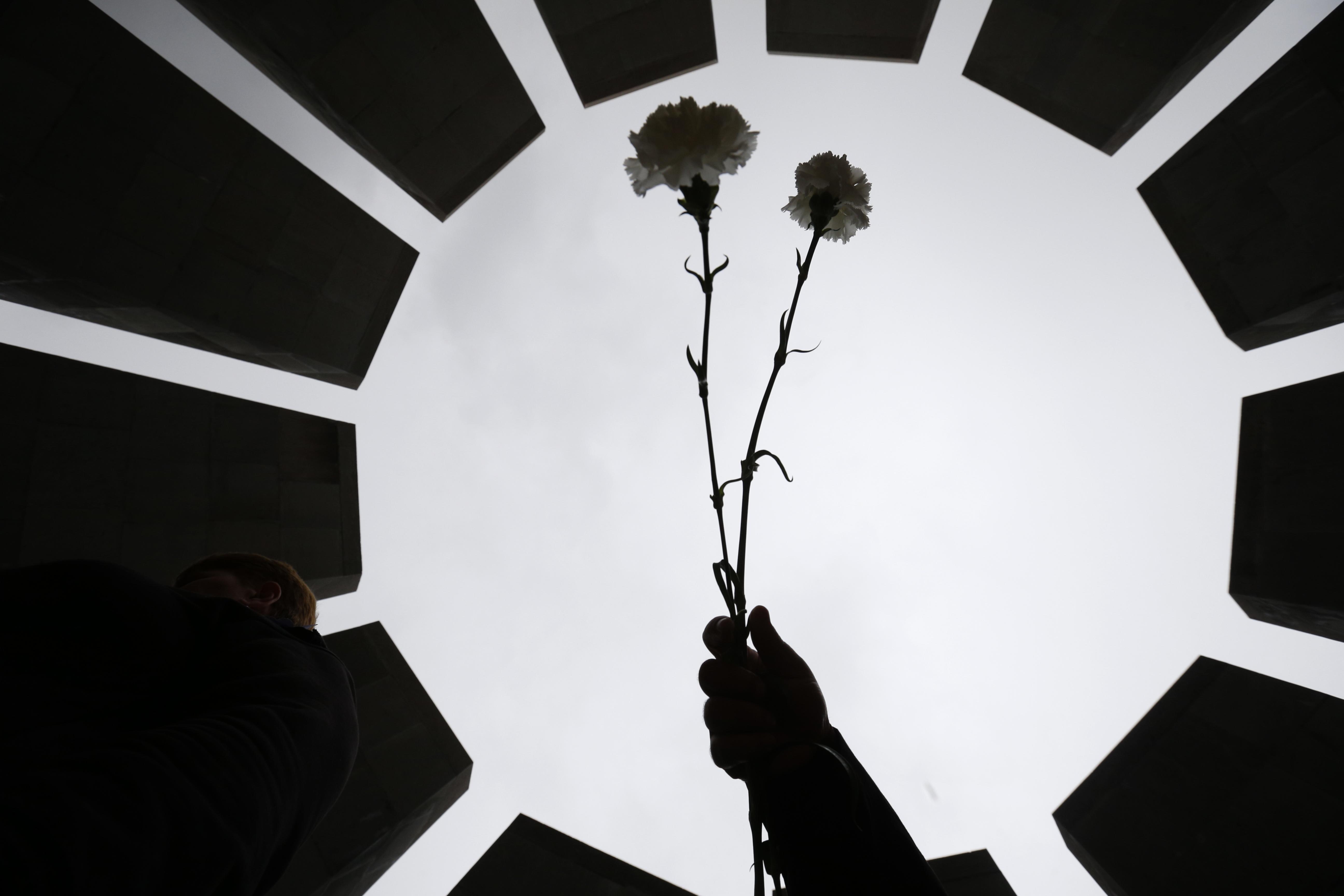 Парламентът: Не геноцид, а масово изтребление на арменци