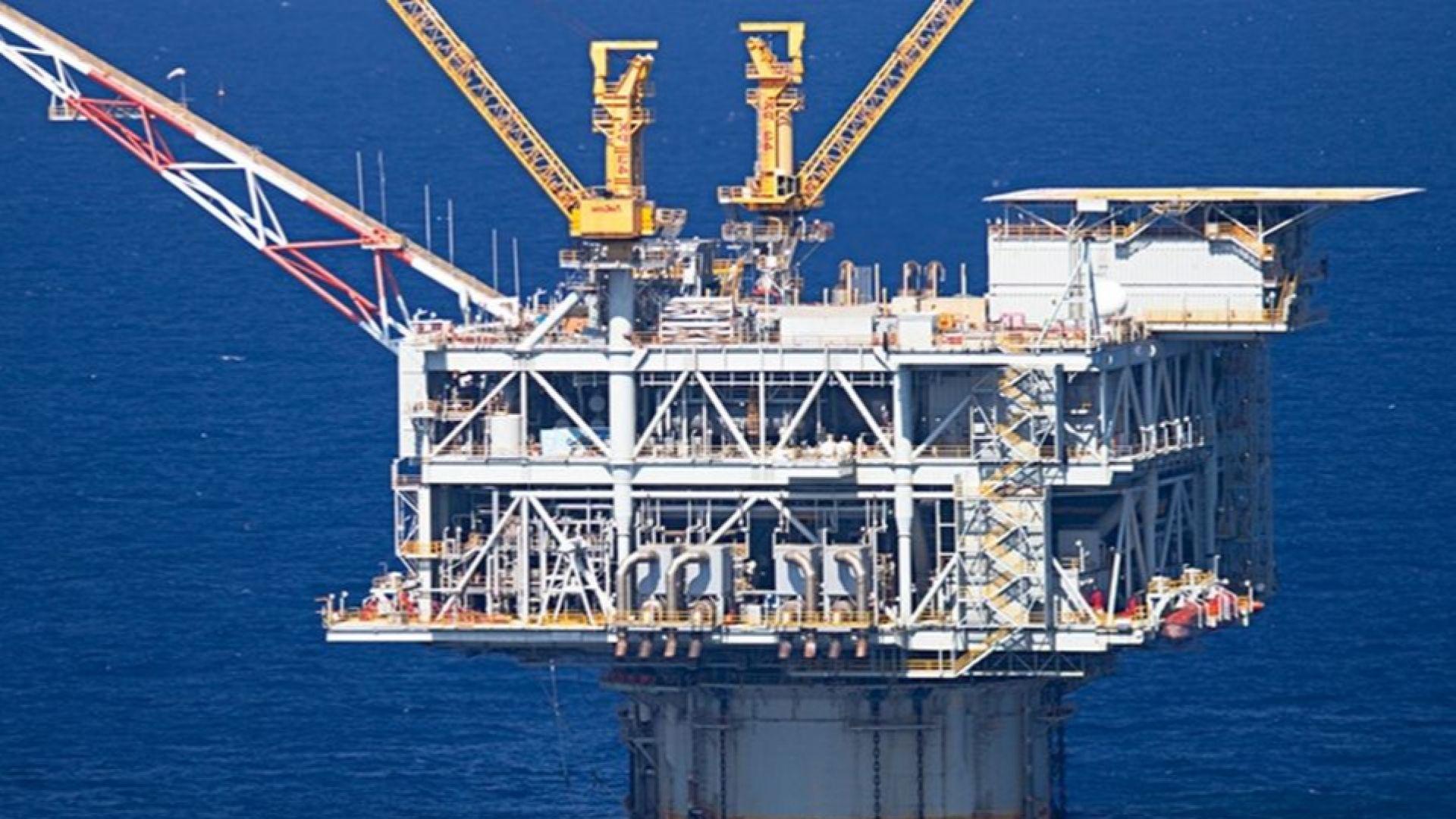 Трусовете в Алжир изваждат на дневен ред въпроси за петрола и природния газ