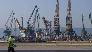 Моряк е загинал, а друг е ранен при ремонт на кораб във Варна