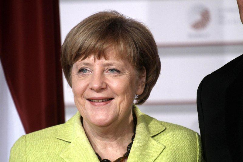 Меркел: Чужденците да се чувстват добре дошли в Германия