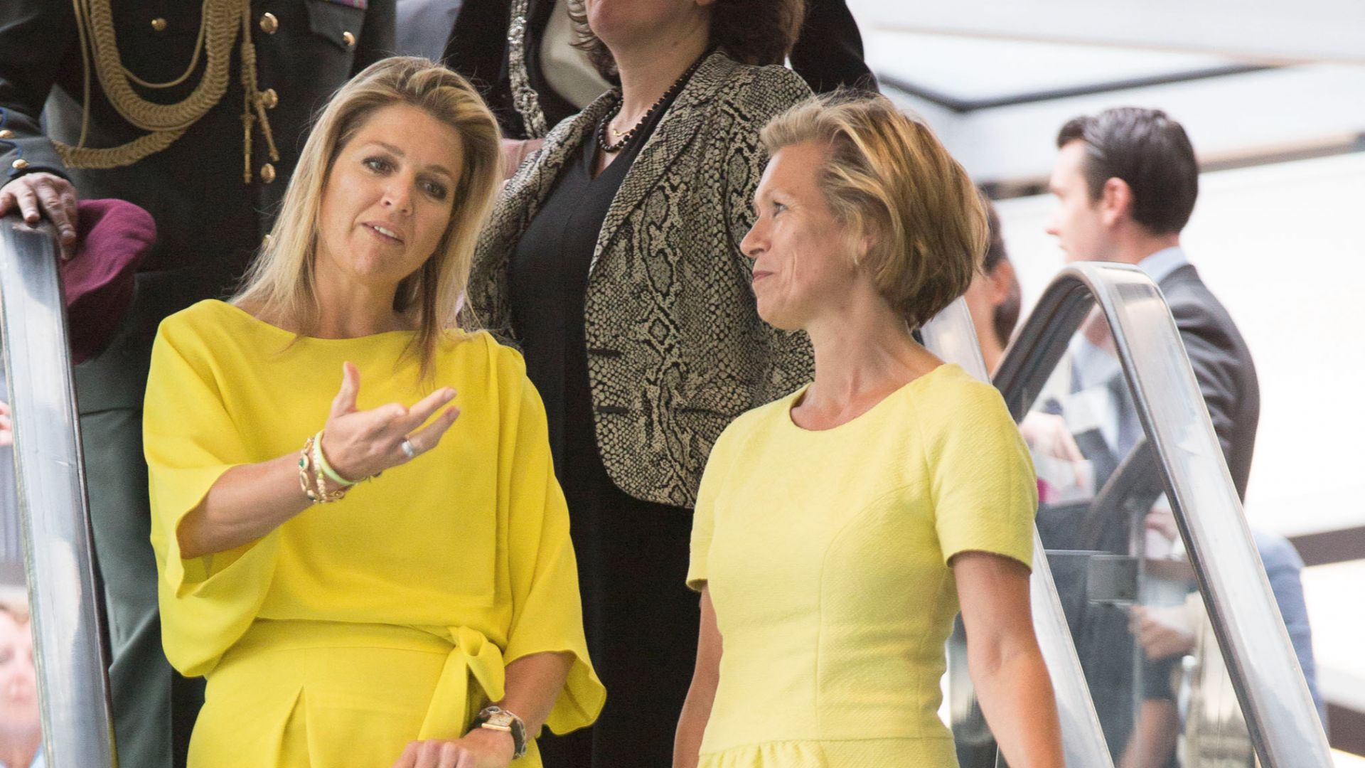 Сестрата на холандската кралица  Максима се самоуби на 33 години