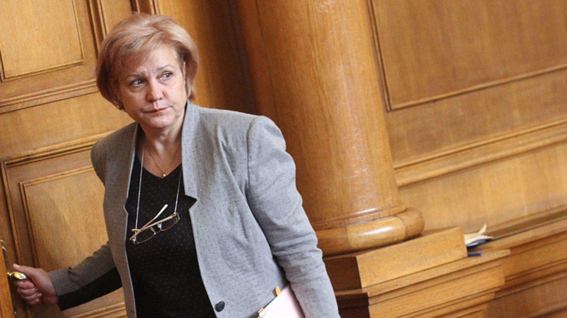 Менда Стоянова: Ако не въведем лимит за обезщетенията, ГО ще скочи