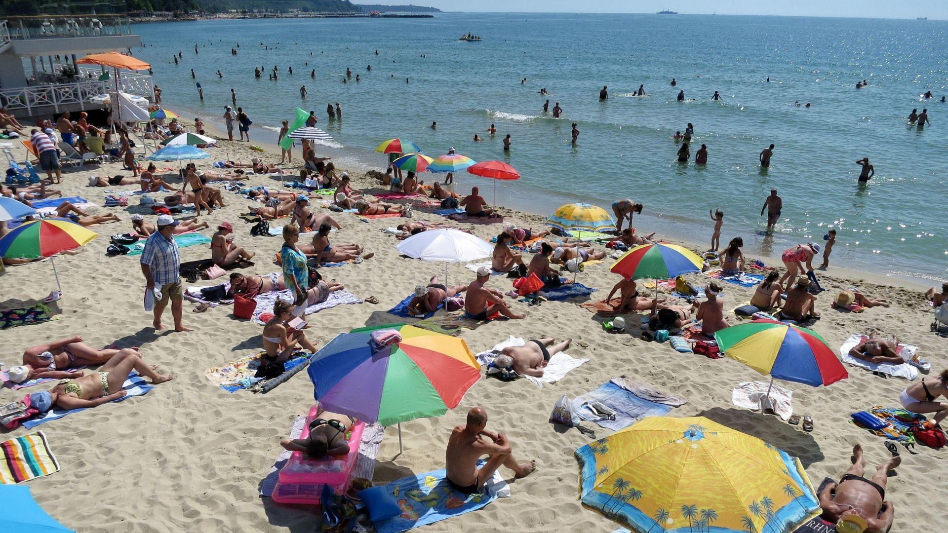 Над 50% от българите не могат да си позволят почивка това лято