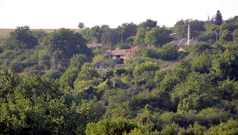 Беджене – селото от шестима жители (снимки)