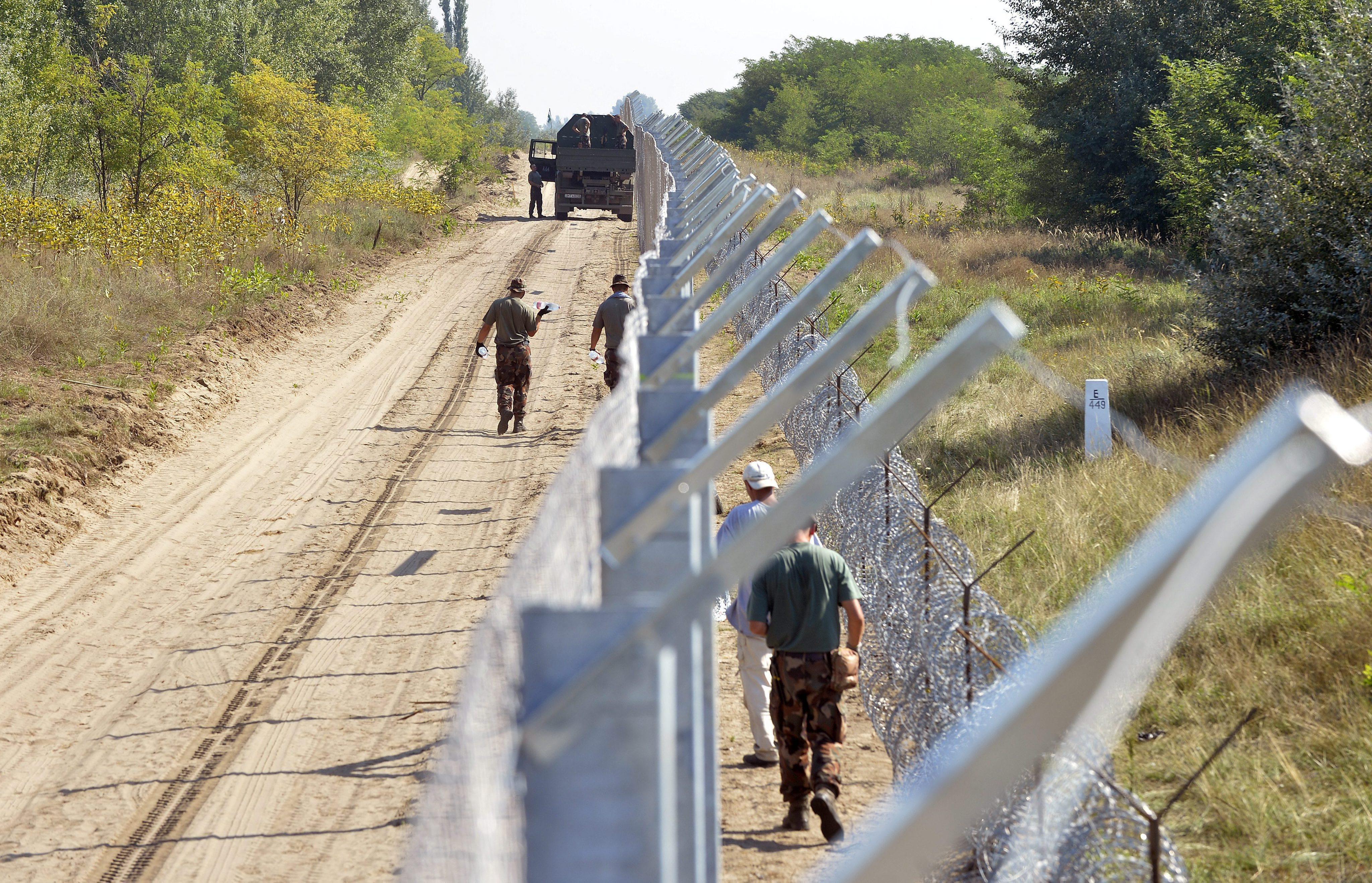 Италия ще постави на границата със Словения телена ограда