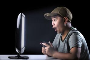 Учени: враждебното общуване не е рожба на интернет