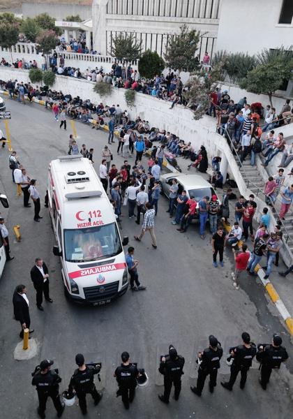 Давутоглу: Трагедията е дело на атентатори - самоубийци
