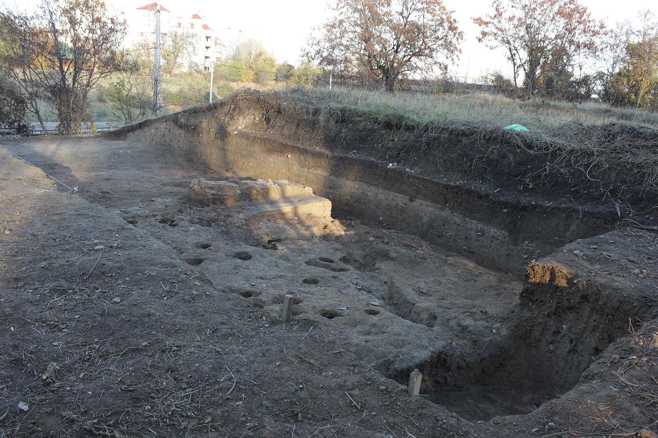 """Неолитното селище в """"Слатина"""" ще бъде възстановено до 2 г."""