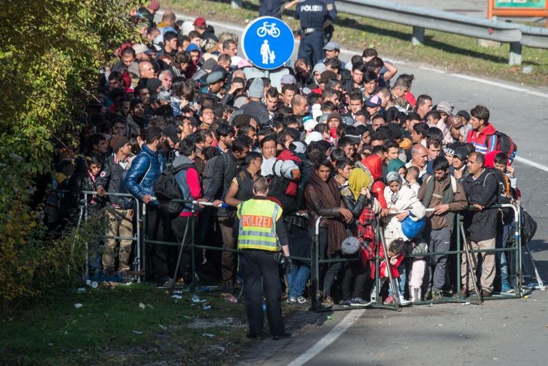 """Ще стане ли България """"огромен бежански лагер""""?"""