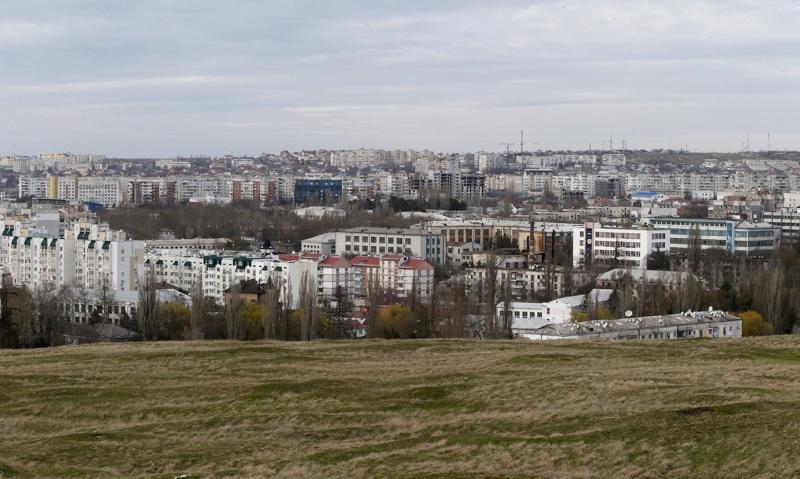Властите в Крим: Кръщавайте момчетата Генератор
