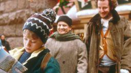 Джо Пеши оглави класация за любима усмивка от коледен филм