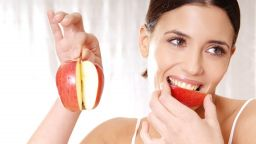 Как трябва да се ядат ябълките